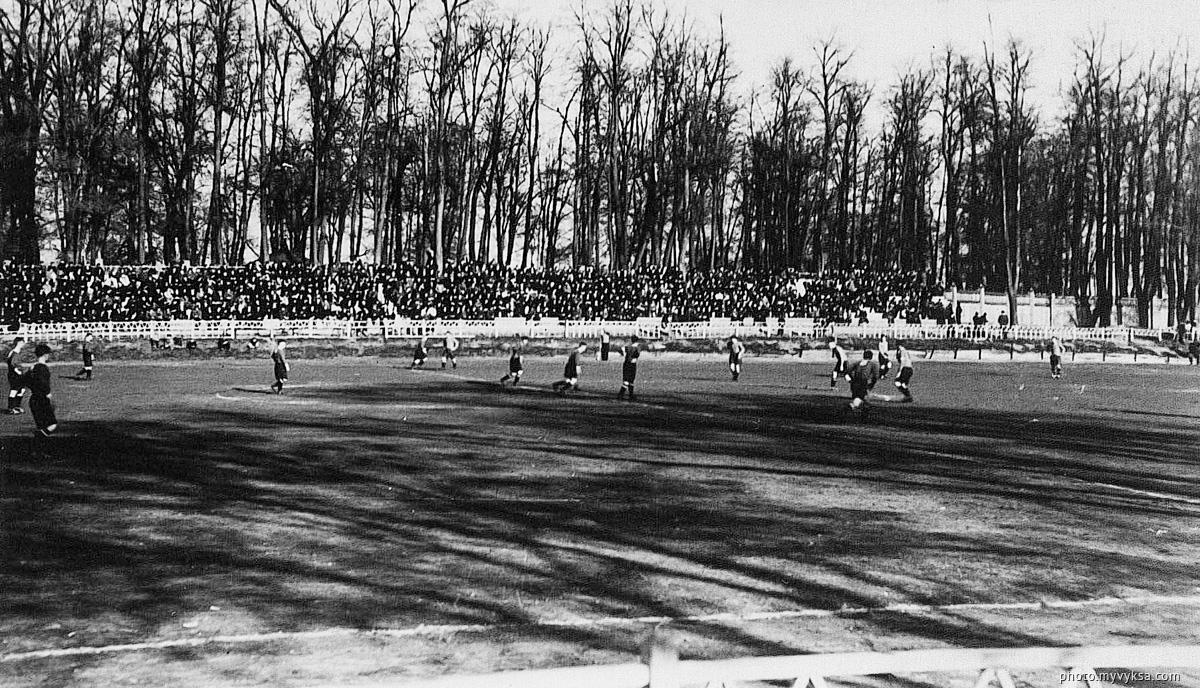 Футбол на стадионе Металлург. Выкса