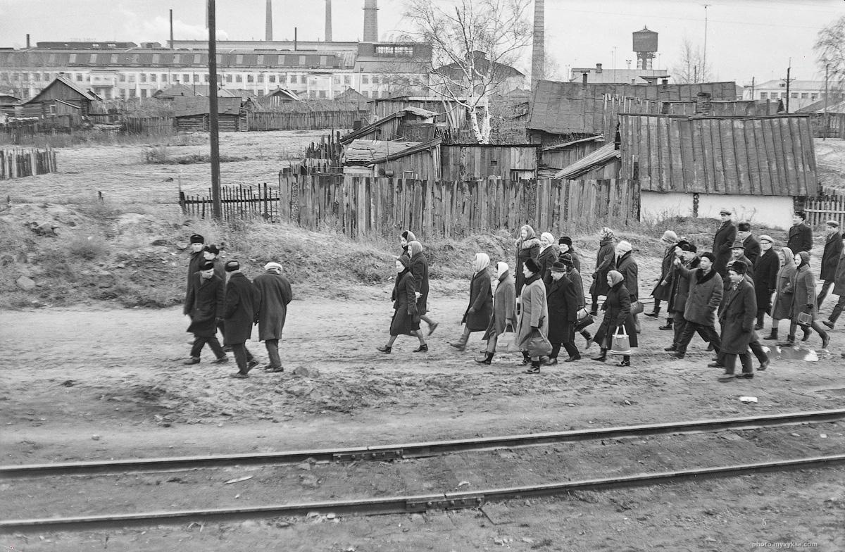 Сбор демонстрации. Выкса — фото старой Выксы