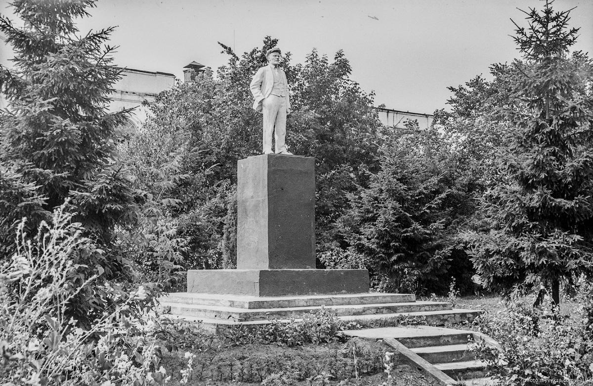 Ленин у ДК им Лепсе. Выкса
