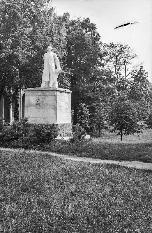Памятник Горькому. Выкса