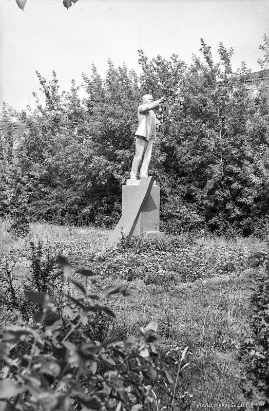 Ленин в сквере ДК Ленина. Выкса