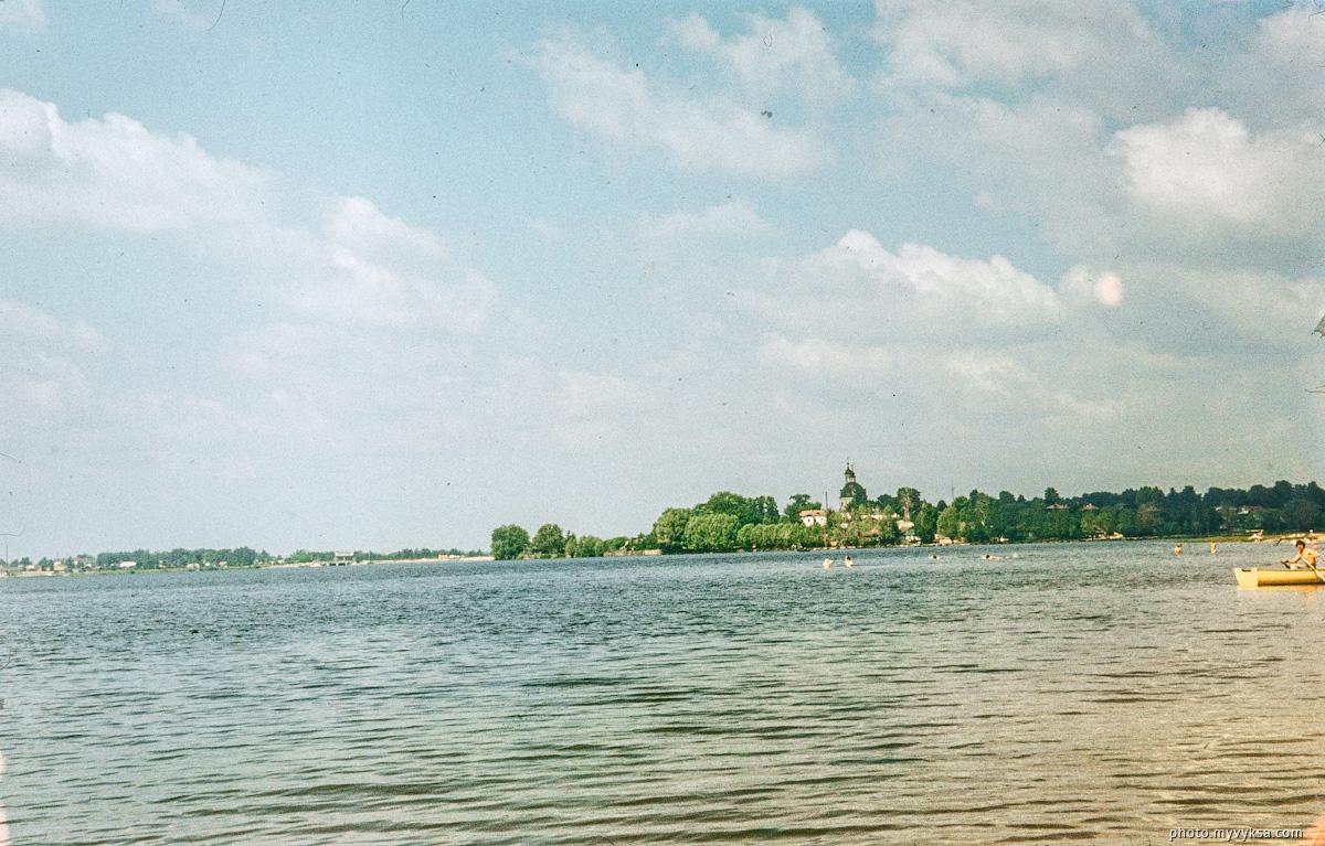 Вид с пляжа. Выкса — фото старой Выксы