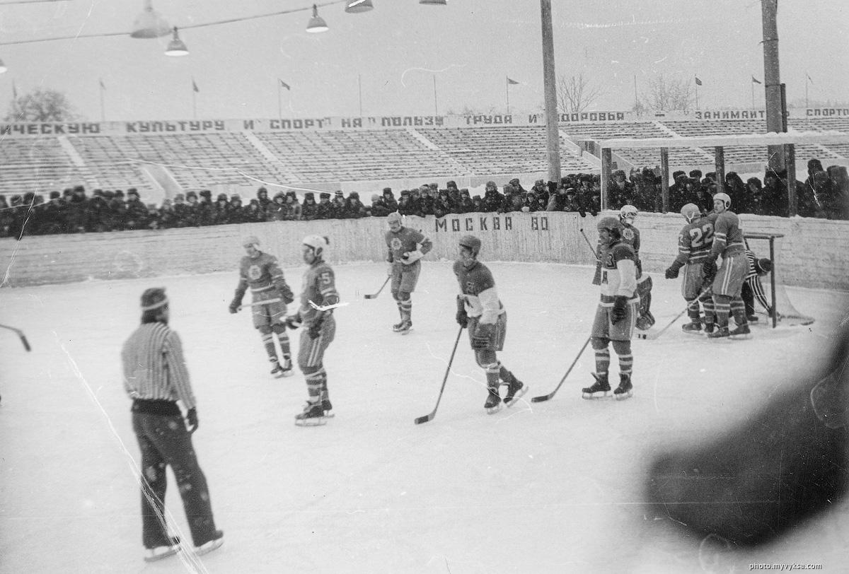 Хоккей на Металлурге. Выкса