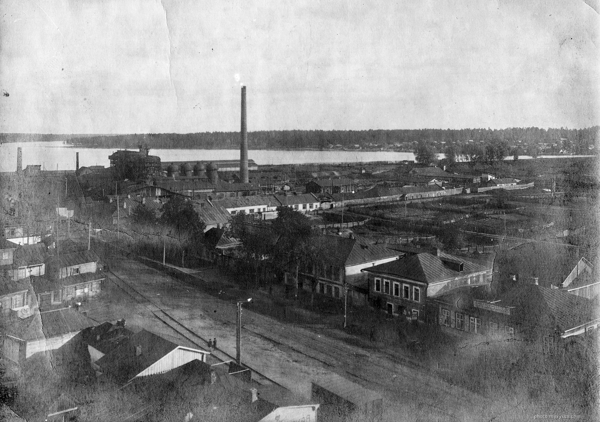 Вид на Верхний завод, Верхний пруд. Сделано с ДК им Лепсе.